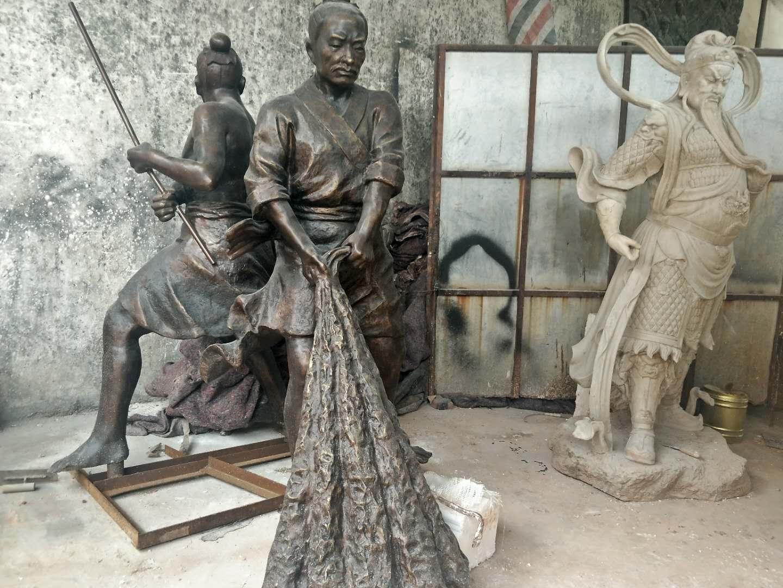 渔民打捞雕塑;渔文化雕塑;公园景观雕塑摆件  海南铸铜雕塑厂家;渔夫