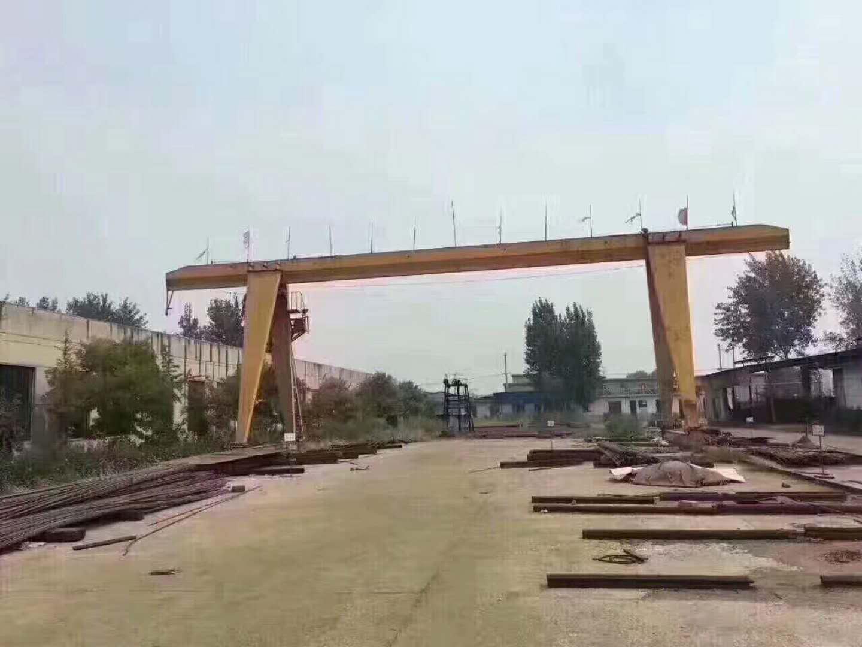 90公分岳阳吸盘  16吨跨度30米单悬3米  10吨龙门吊,跨度16米,外旋各5米,高度9米,大驱动