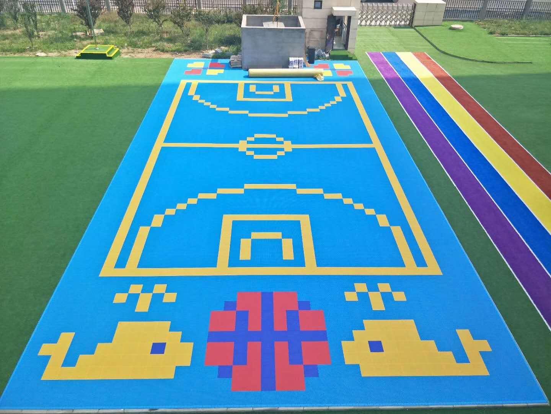江苏幼儿园悬浮地板小米格拼装地板高清图片 高清大图图片